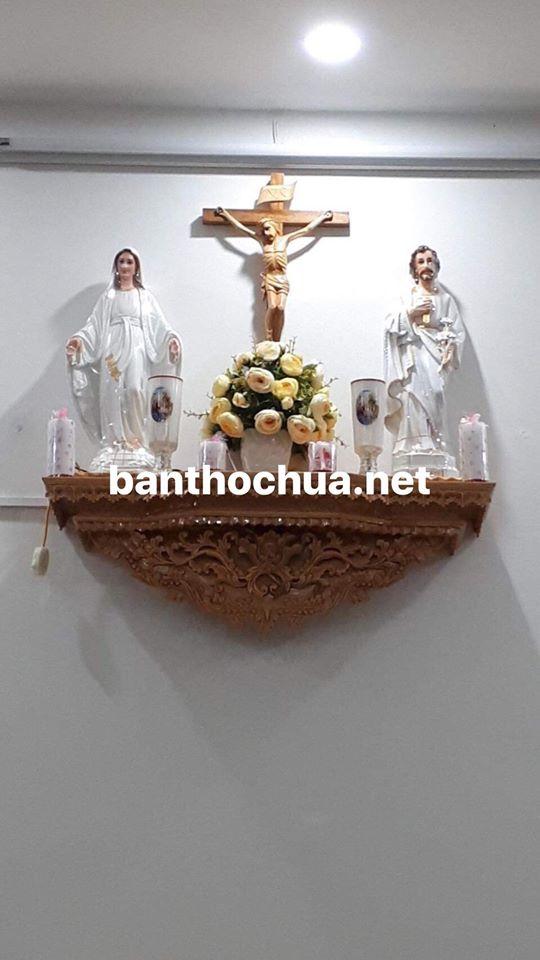 bàn thờ chúa bệ liền