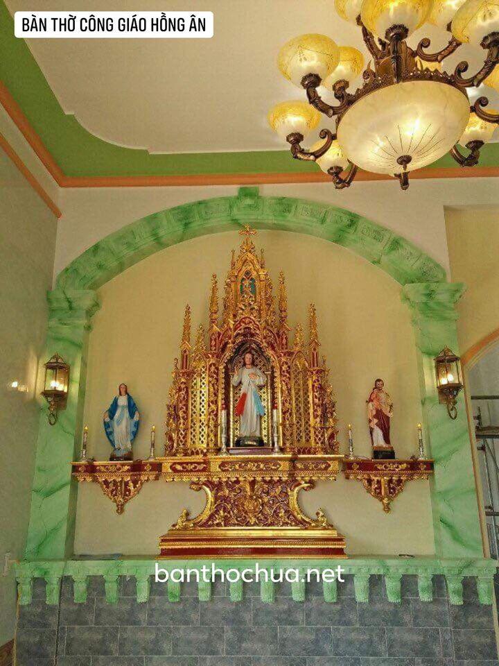 Bàn thờ Công giáo, những mẫu bàn thờ Công giáo trong phòng khách bằng gỗ đẹp