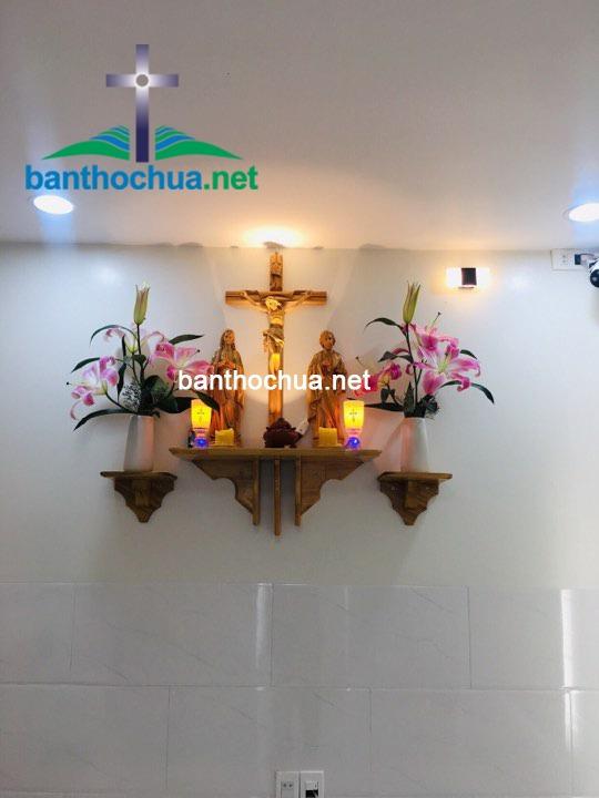 bàn thờ thiên chúa