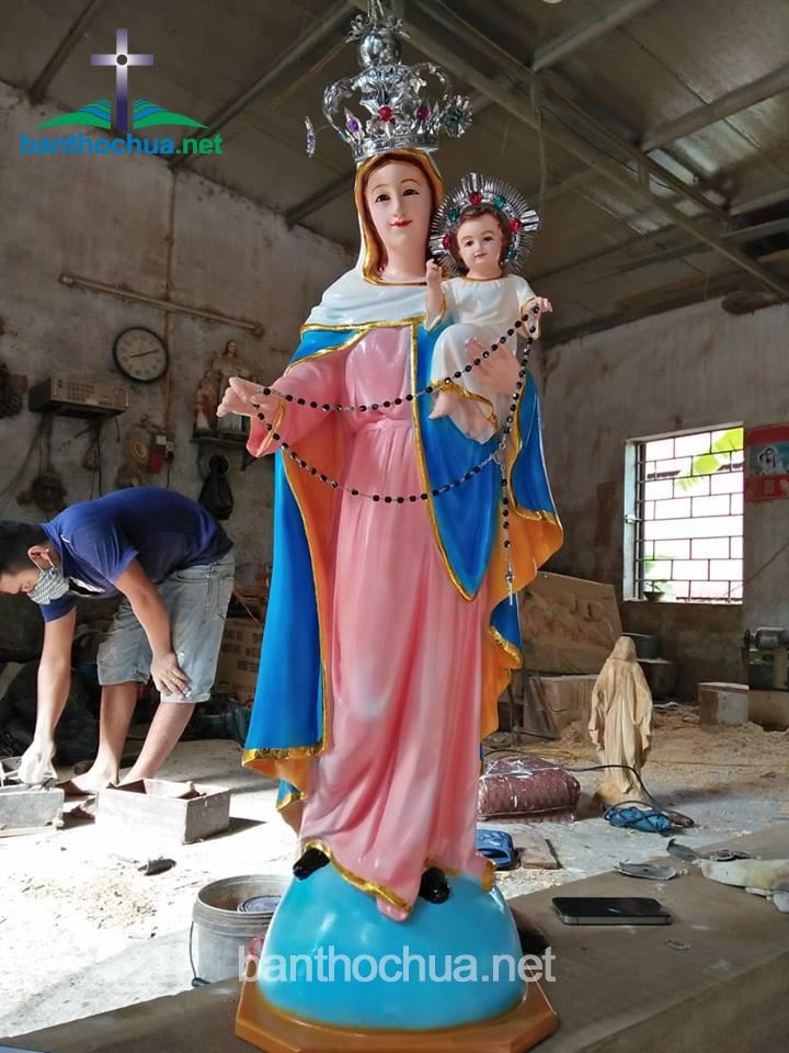 tượng đức mẹ bế chúa bằng gỗ