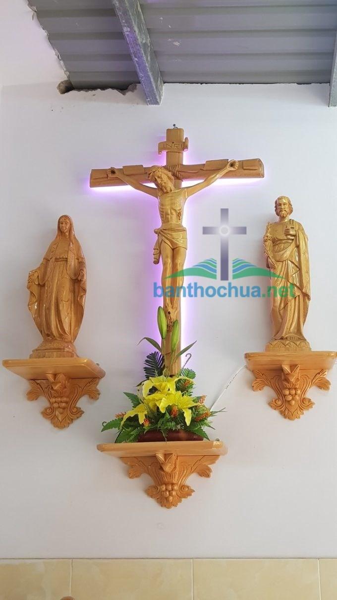 kệ bàn thờ thiên chúa bằng gỗ đẹp