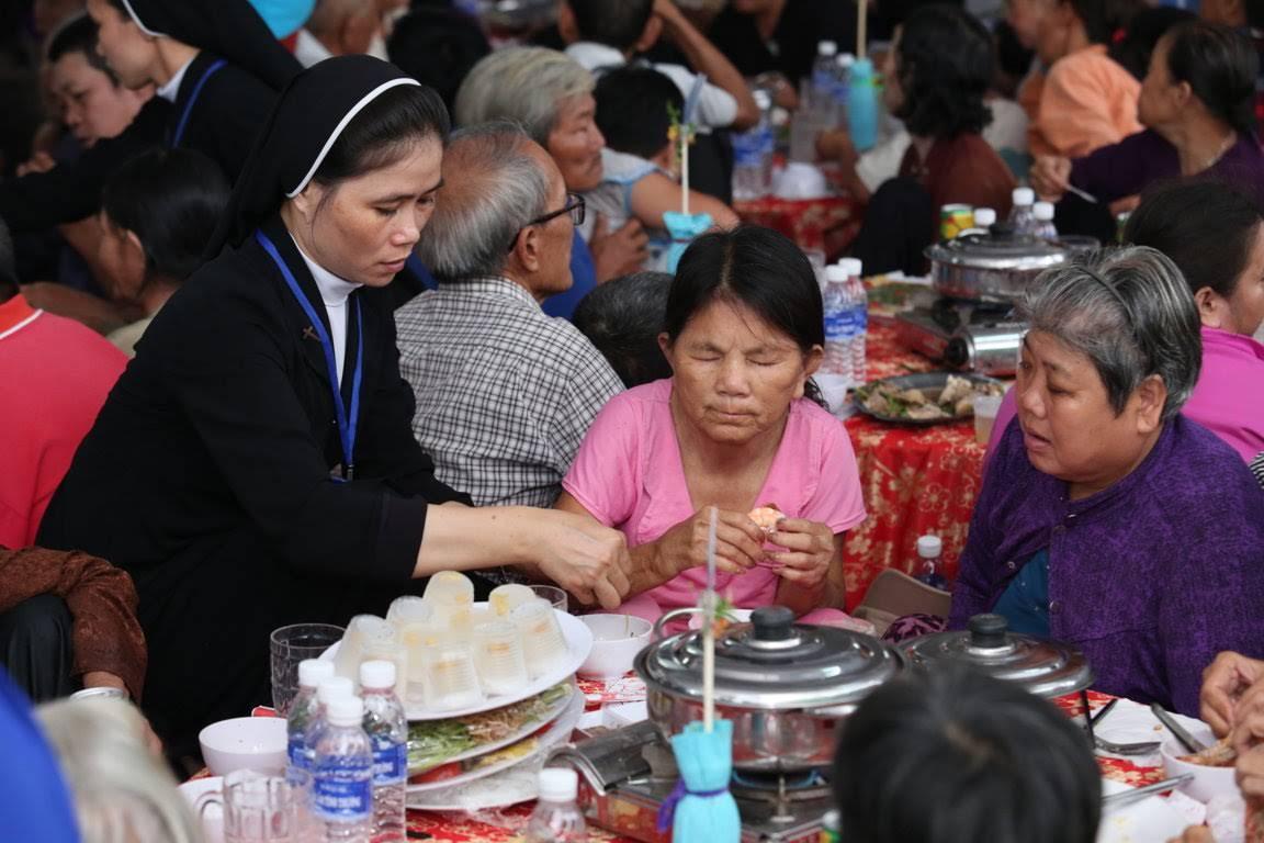 Bữa Cơm Huynh Đệ Lần Thứ 16 – Mái Ấm Tình Thương Lagi tại giáo phận Phan Thiết