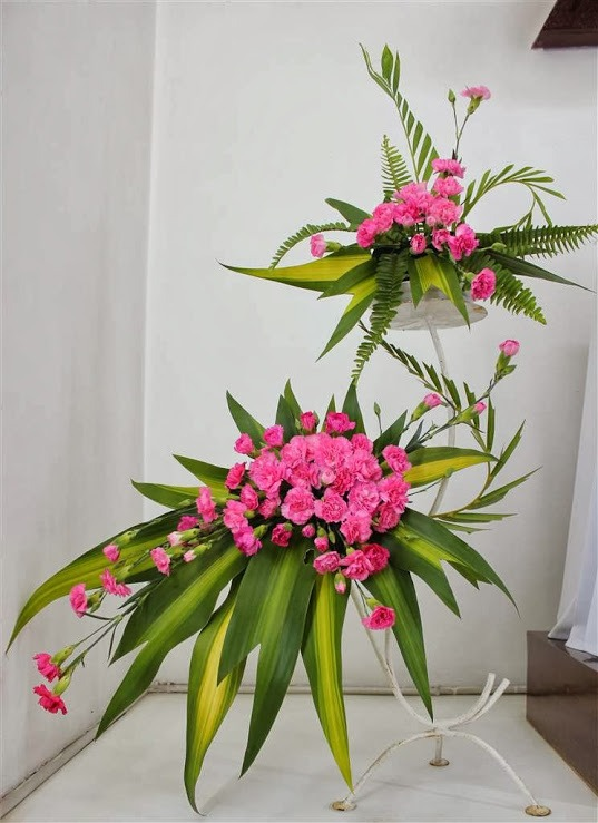 Một số mẫu cắm hoa trong Phụng vụ
