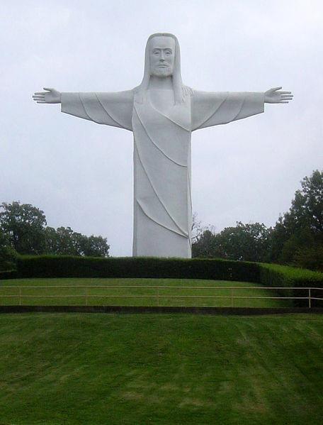 Top 10 tượng Chúa nổi tiếng thế giới