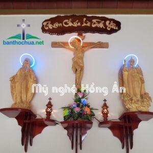 Những mẫu bàn thờ Chúa trong phòng khách đẹp