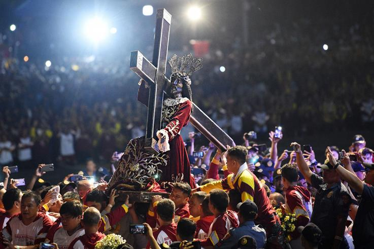 Biển người rước kiệu tượng Chúa Giêsu tại Philippines