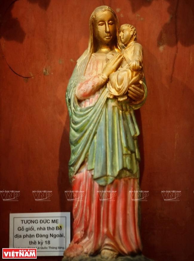 Khám phá đồ thờ Công giáo xưa