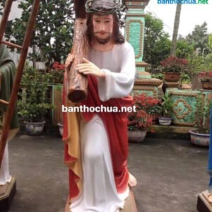 Tượng Chúa Giêsu vác thập giá TC24