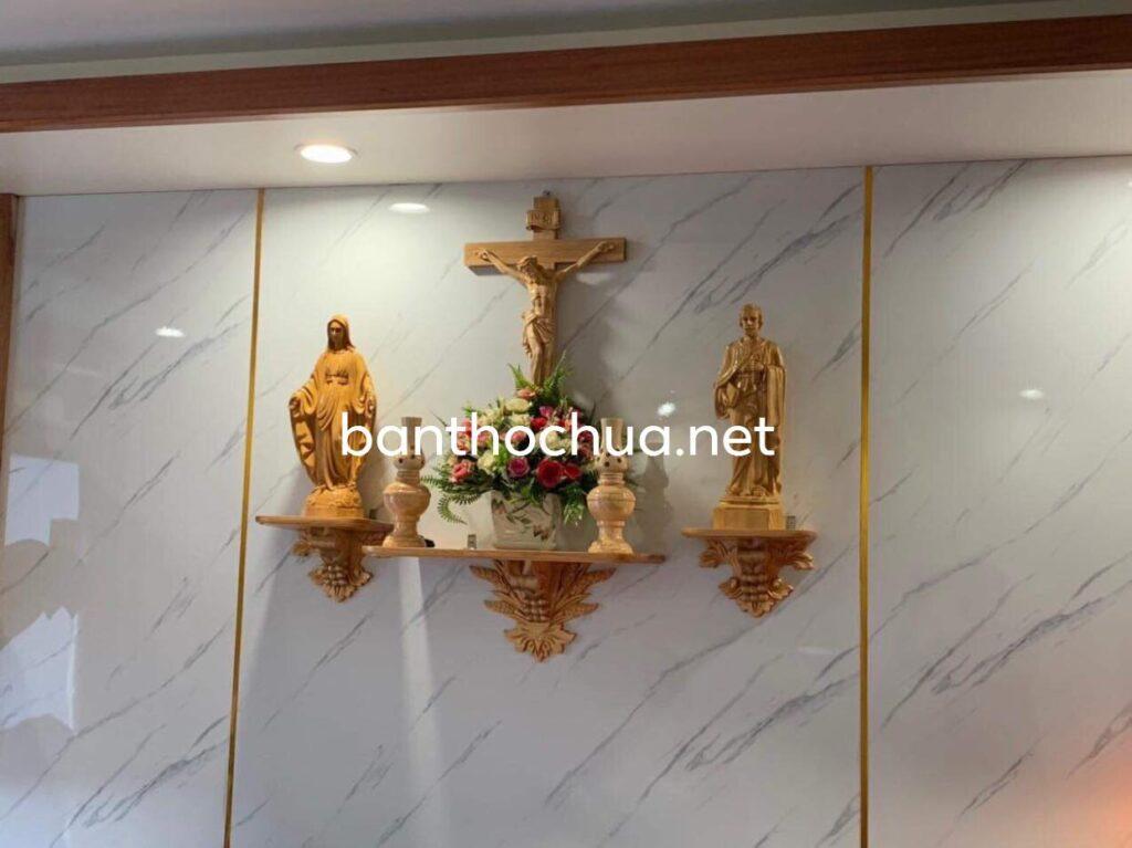 Bàn Thờ Chúa Phòng Khách