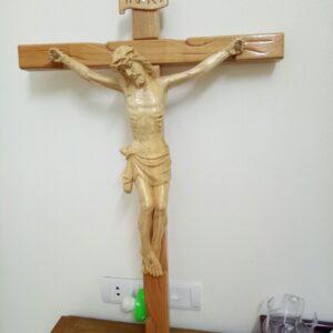 Tượng Thánh Giá Chúa Chịu Nạn Bằng Gỗ Pơmu Cao Cấp
