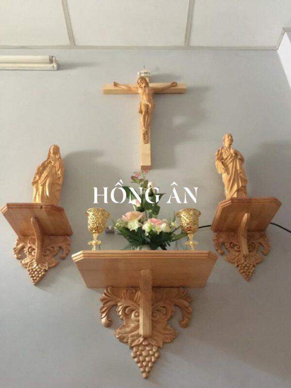 kệ bàn thờ chúa bằng gỗ