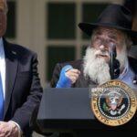 TT Trump: Lời cầu nguyện là thứ có sức mạnh lớn nhất trên đời