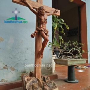 Tượng Chúa chuộc tội gỗ đinh hương