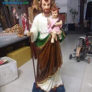 Tượng Thánh Giuse bế Chúa bằng gỗ dổi sơn màu