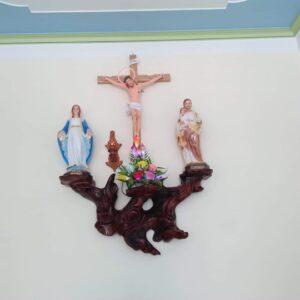 Bàn thờ Chúa – Mẫu nhà khách ở Bình Dương