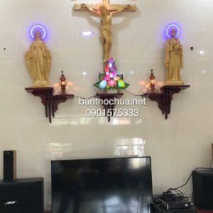 Kệ bàn thờ Chúa đơn giản, bộ tượng chất liệu giả gỗ HA10