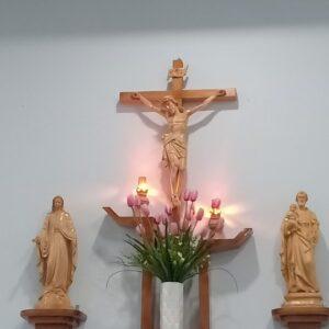 Bàn thờ Chúa hình bàn tay nghệ thuật HA09