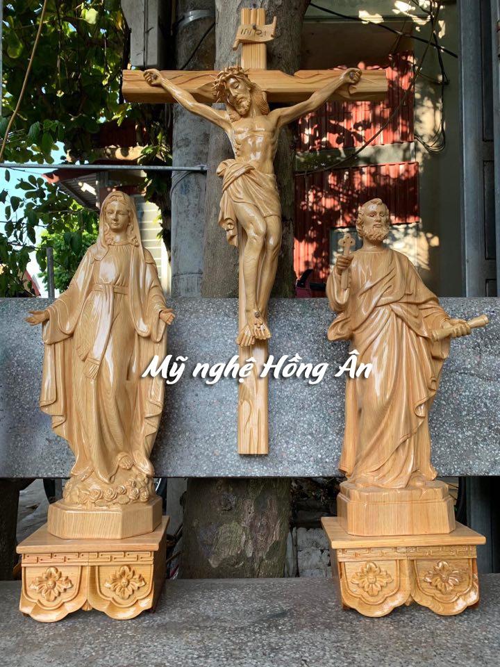 Tượng Công Giáo Gỗ