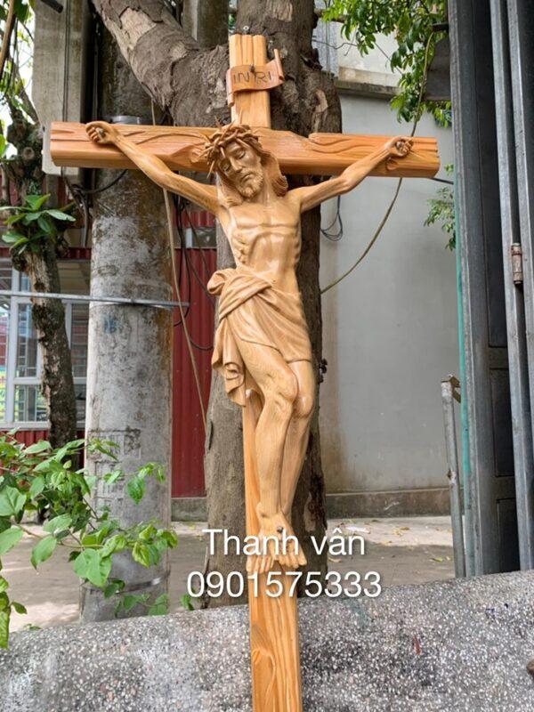 tượng chuộc tội gỗ đẹp