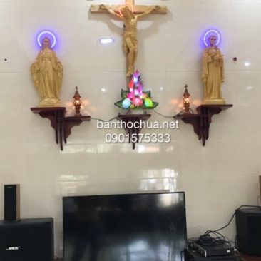 mẫu bàn thờ chúa đơn giản
